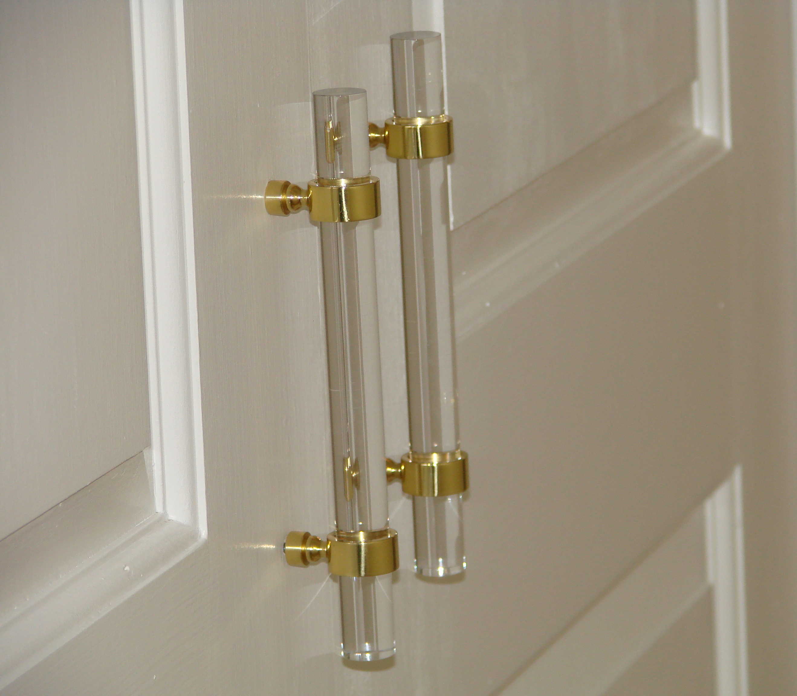 sweet home charlotte: Lucite Hardware: A Clear Beauty